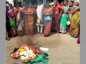 Fights, protests over poor quality spoil Telangana government's free saree scheme