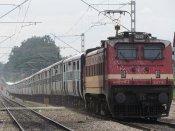 Kashmiri shawl vendors attacked in train