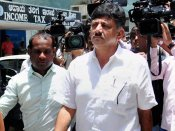 Karnataka Minister DK Shivakumar once again loses cool with selfie-seeker