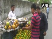 Uttarakhand: Meet fruit vendor who aspires to become a 'good lawyer'
