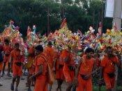 UP: Two groups of Kanwariyas clash in Bulandshahr