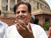 Amid uncertainty over its tie-up with AAP in Delhi Cong leader Ahmed Patel meets Sheila Dikshit