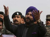 Sidhu's border hopping, new found love for Pakistan leaves Amarinder Singh in a fix