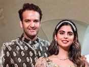 Isha Ambani & Anand Piramal wedding: Hillary Clinton, Sachin Tendulkar, Dhoni in Udaipur