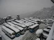 2 killed in J&K avalanche as rain, snowfall lash north India