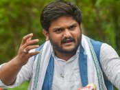 Scuffle breaks out at Hardik Patel's public meeting in Gujarat