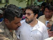 FIR against BJP's Babul Supriyo for entering Asansol polling booth
