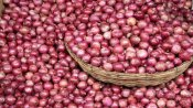 20 kg onion looted from state-run store in West Bengal's Birbhum