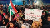 Modi zindabad Vs CAA down down: Anti-CAA protesters bring in New Year with national anthem