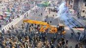 Farmers' Protest: Chanting 'jai jawan jai kisan' farmers pour into Delhi on tractors, horses, cranes