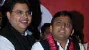 UP: IIM connection helps Akhilesh Yadav defeat Rahul Gandhi
