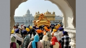 Thousands throng gurdwaras to mark Gurpurab