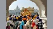 Thousands throng gurdwaras to mark Gurpurab