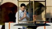 Arvind Kejriwal pays tributes to Mahatma Gandhi, Shastri