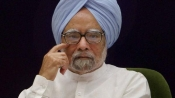 There is crisis of confidence in govt: Manmohan Singh