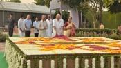 Narendra Modi pays tribute to Gandhi, Shastri