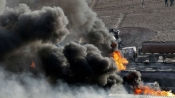 Coalition air strikes kill over 30 Yemen rebels, inmates