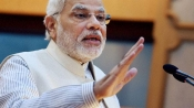 Modi meets his mother in Guj, seeks her blessings