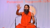 Ramdev wants Rs. 2,000 notes to be withdrawn in future