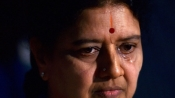 Sasikala does not benefit from SC order rejecting review in Jaya DA case