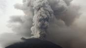 Eruption of Mount Agung: Bali airport shut