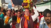 After BJP's win in Gujarat, HP, Modi's brother offers prayers at temple