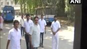 TTV Dinakaran is in Bengaluru to meet Sasikala who is on <i>Maun Vrat</i>