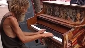 The man was homeless till he found a piano on the roads and his life changed