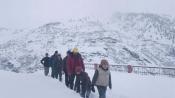 Heavy snow in Shimla: Roads blocked, schools, colleges shut