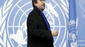 Pakistan minister brands US envoy 'little pygmy' in Twitter row