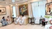 Modi visits Arun Jaitley's residence, offers condolences to family