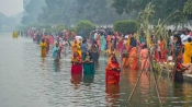 Chhath Puja 2019: Women devotees pay obeisance to rising sun along ghats