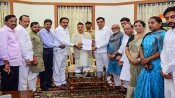 Amid political deadlock, Congress-NCP delegation meets Governor over 'farmer' issues