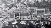 Fresh snowfall at Mata Vaishno Devi shrine, chopper service suspended
