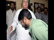 Kanhaiya Kumar 'touches' Lalu Yadav's feet, Twitterati mock his 'fight against corruption'