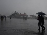 Heavy rains lash North India; 9 killed