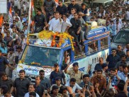 Rahul Gandhi may face the ire for skipping Laxmi Bai's memorial in Gwalior during his road show