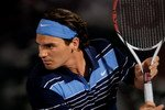 Federer eyes Sampras
