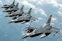 F 16 fighter jets