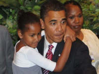 Barack Obama with daughter Sasha Obama