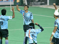 Indian Hockey team cheering