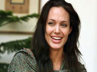 I'm not trying to ape Angelina Jolie: Octuplets' mum