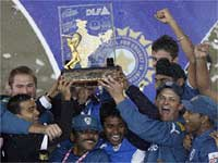 Deccan Chargers win the IPL 2
