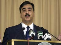 Gilani seeks resumption of  talks with India