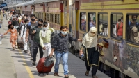 9 deaths reported on board migrant train