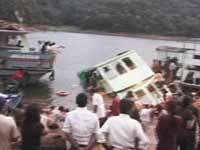 Boat capsizes in Andhra, 10 killed, 20 missing