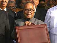Economic growth to exceed 7.2 pc in FY 10: Pranab