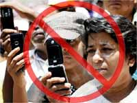 C'garh bans teachers, students from using mobiles