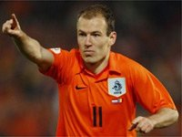 Robben leads Dutch to last eight
