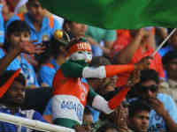 Crowd vanish from streets to cheer Ind
